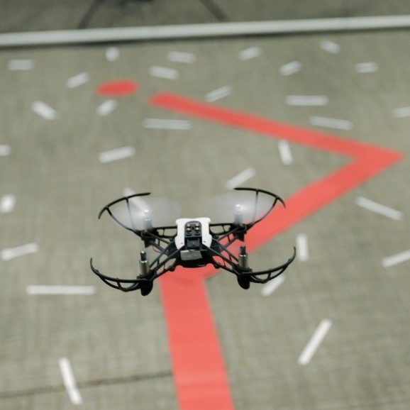 Flying Drones Using Simulink » Racing Lounge - MATLAB & Simulink